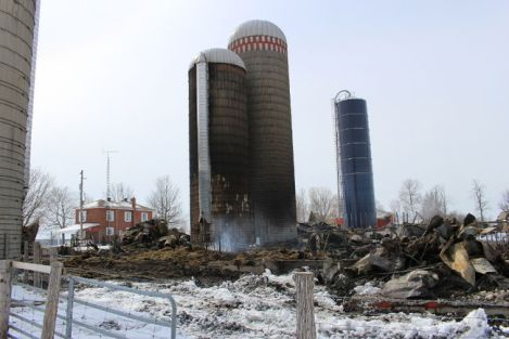 Barn fire in South Glengarry, Ont. Photo: Greg Peerenboom/Cornwall Standard-Freeholder/QMI Agency.